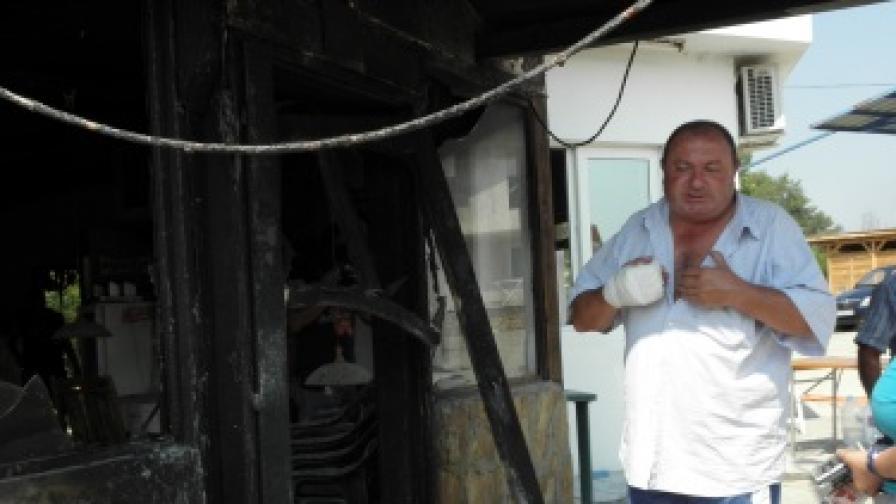 Заведението на заплашвания многократно екскмет на Катунци, община Сандански, Георги Коцев е запалено. Собственикът твърди, че става дума за експлозия