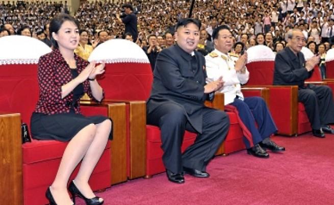 Новата г-жа Ким заслепи гладна КНДР с чанта