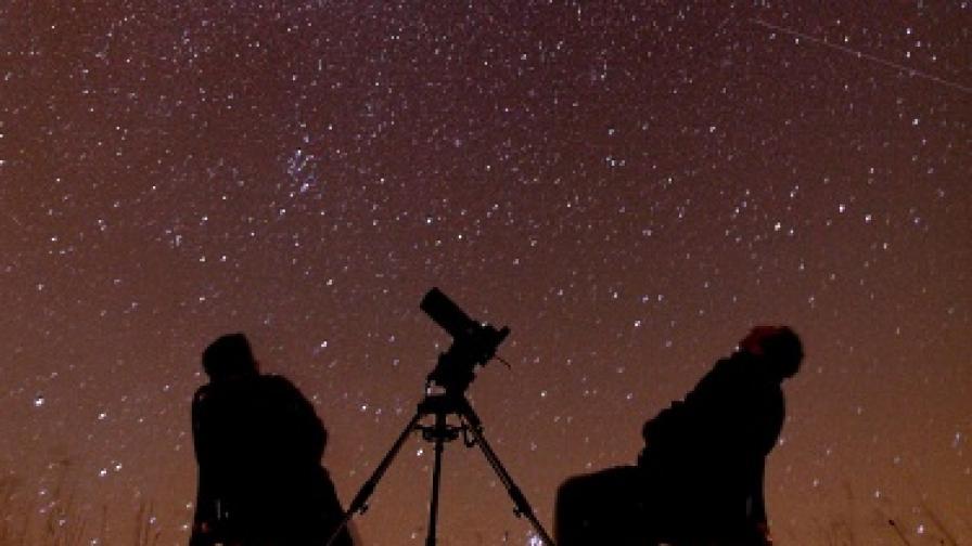 Ярък звездопад в нощта на 12 срещу 13 август