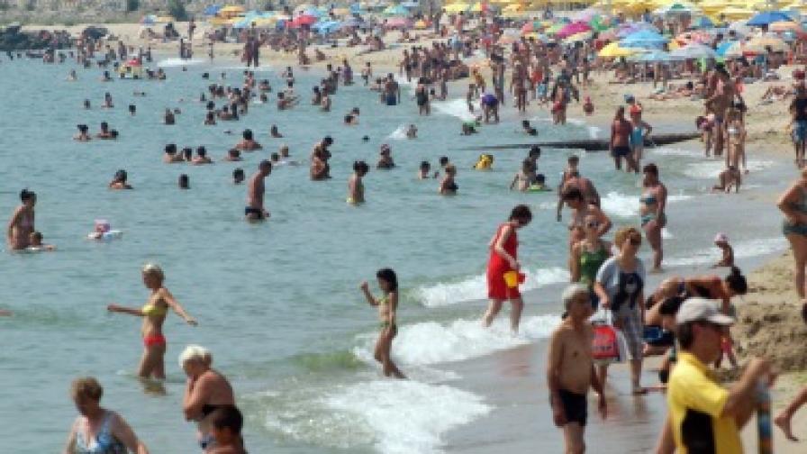 Централният плаж на морската ни столица Варна