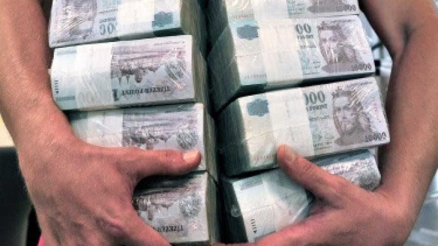 """""""Файненшъл таймс"""": Недоволството срещу богатите става глобално"""