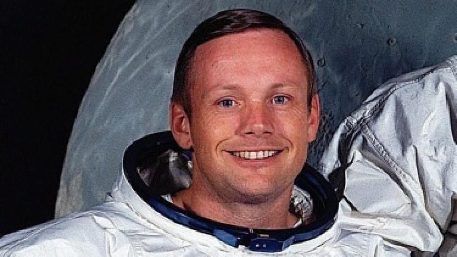 Нийл Армстронг - първият човек на Луната, почина на 82