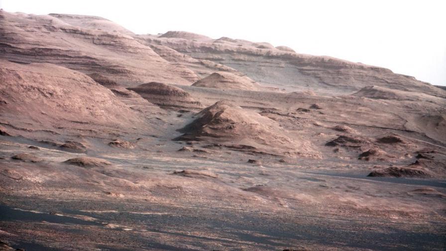 """Марсоходът """"Кюриосити"""" засне основната си научна цел"""