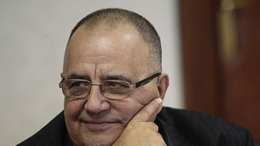 Димитров: Македония да не преминава определени линии