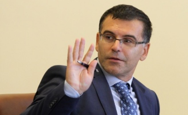 Дянков обеща повече пари за здраве и образование