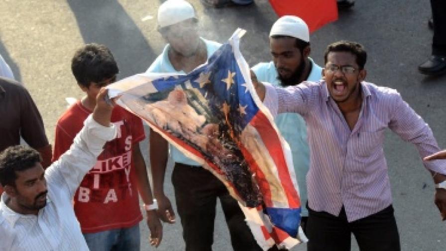 """Филмът """"Невинността на мюсюлманите"""", сниман в САЩ, предизвика вълна от антиамерикански протести в ислямския свят"""