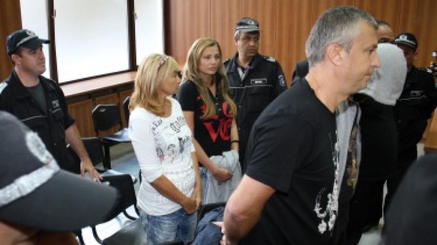 Цитрусовият бос Сотир Янков,съпругата Елена и дъщеря му Мария