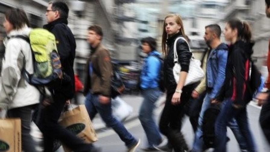 НСИ: Броят на висшистите се увеличава