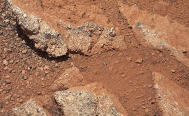 Откриха следи от древен поток на Марс