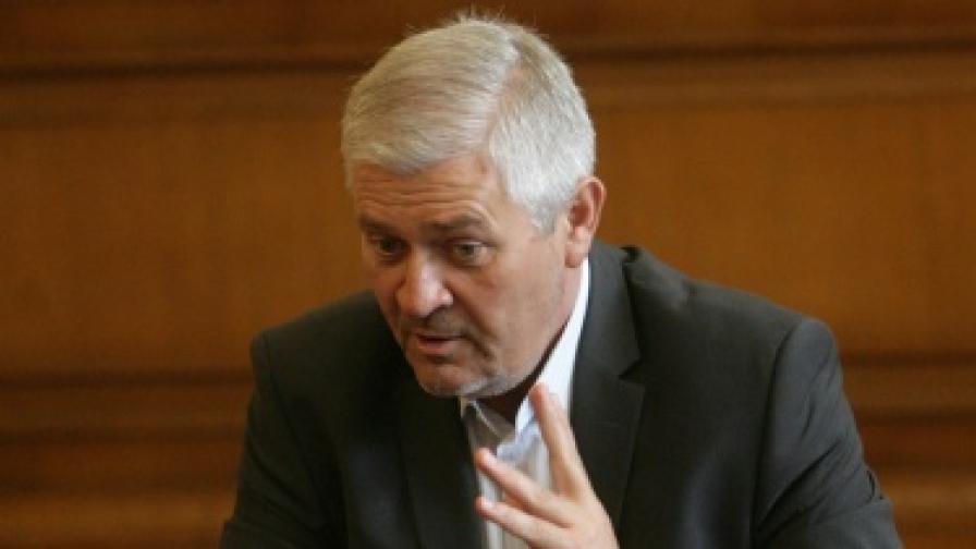Сините: Борисов да смени шефа на телеком регулатора