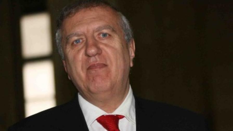 Ал. Томов: Големите играчи крият пари в енергетиката