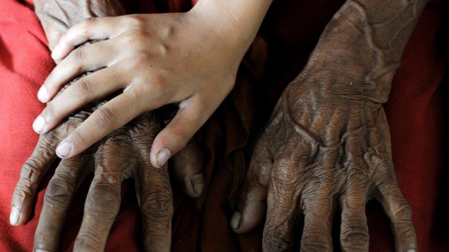 Мъж стана баща на 96 години. Има нов рекорд
