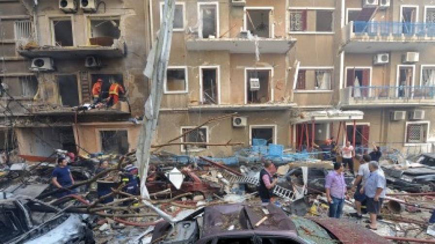 Осем убити, десетки ранени при взрив в Бейрут