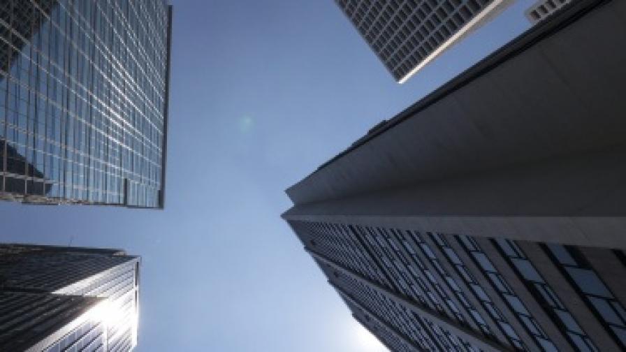 Мъж изкачи 103 етажа с бионичен крак, контролиран с мисъл