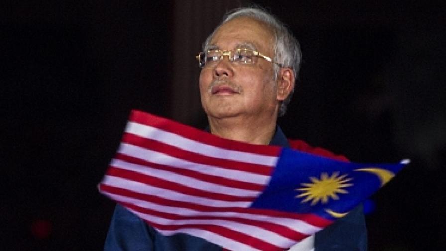 Премиерът на Малайзия проверява случая с българите