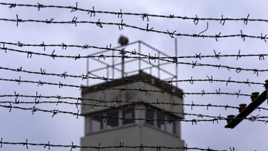 На езика на затворниците