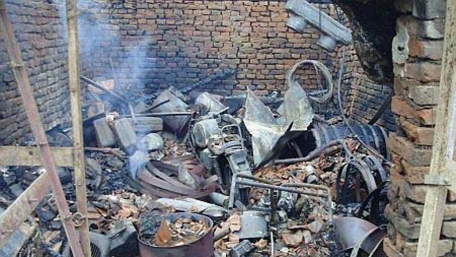 Има съмнения за умишлен палеж при пожара в Созопол тази нощ