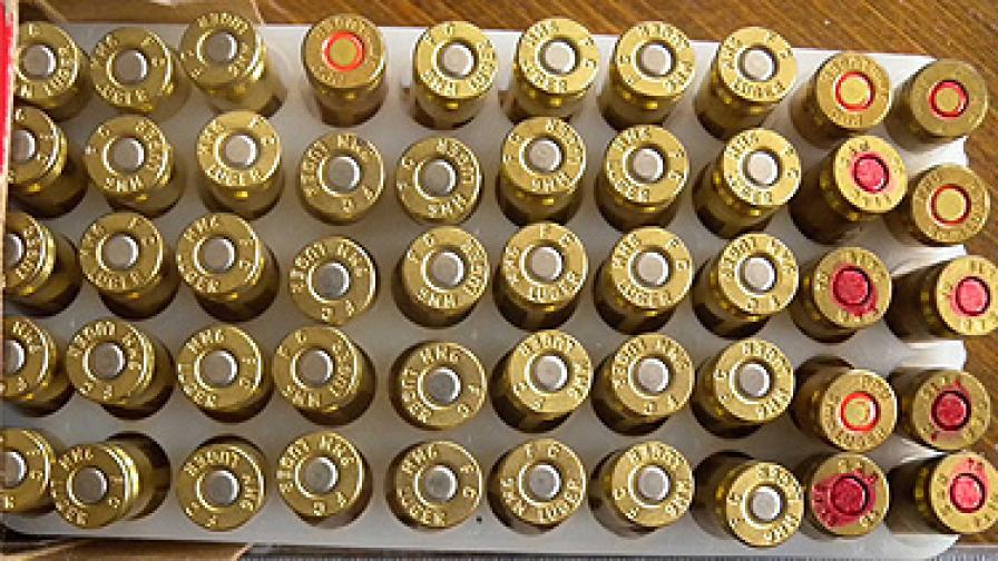 Взривни вещества, оръжия и боеприпаси бяха конфискувани и при специализирана полицейска операция на служители от РУП – Септември.