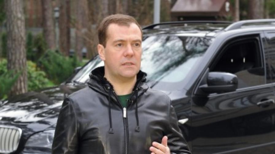 Медведев обяви по-строги наказания за пияните шофьори в Русия