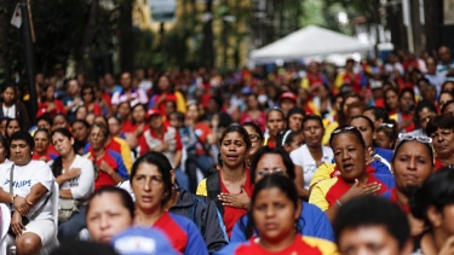 Операцията на Чавес – дълга, сложна, но успешна