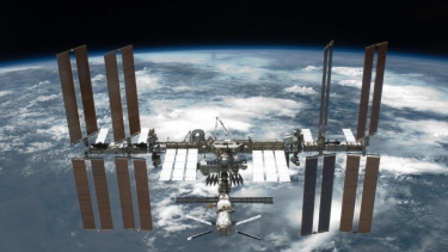 Космонавт открил извънземни бактерии връху МКС