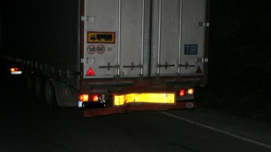 Български камион се запали край Одрин