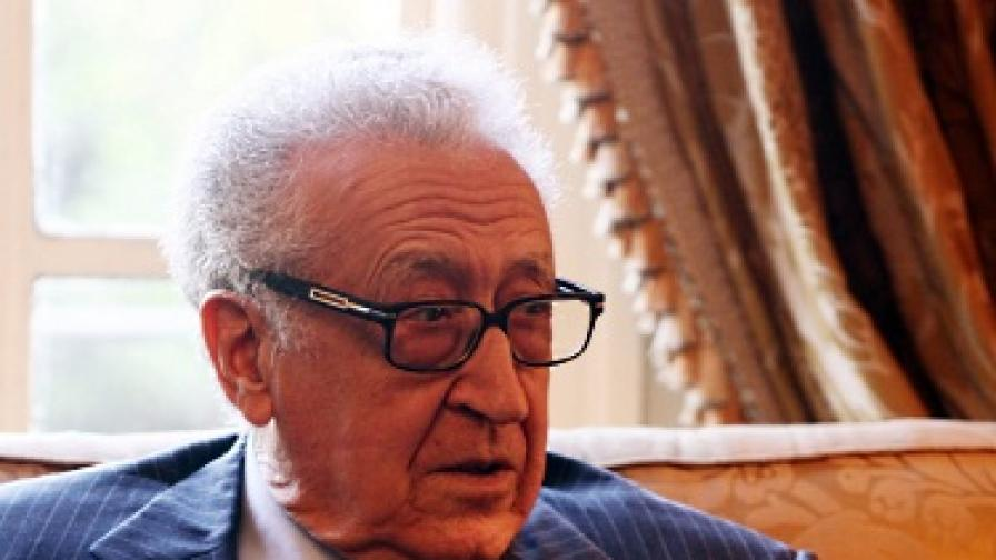 Брахими иска преходно правителство в Сирия