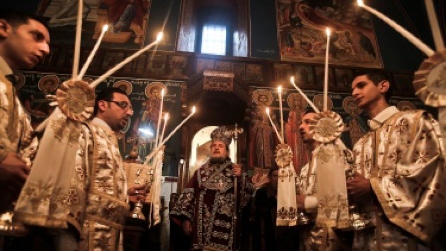 Рождественска служба в православен храм в град Газа в населената с палестинци ивица Газа