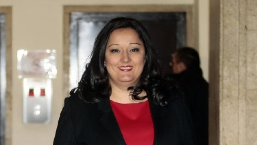 Единствен министър с ясно изразено одобрение за работата си вече цяла година е Лиляна Павлова