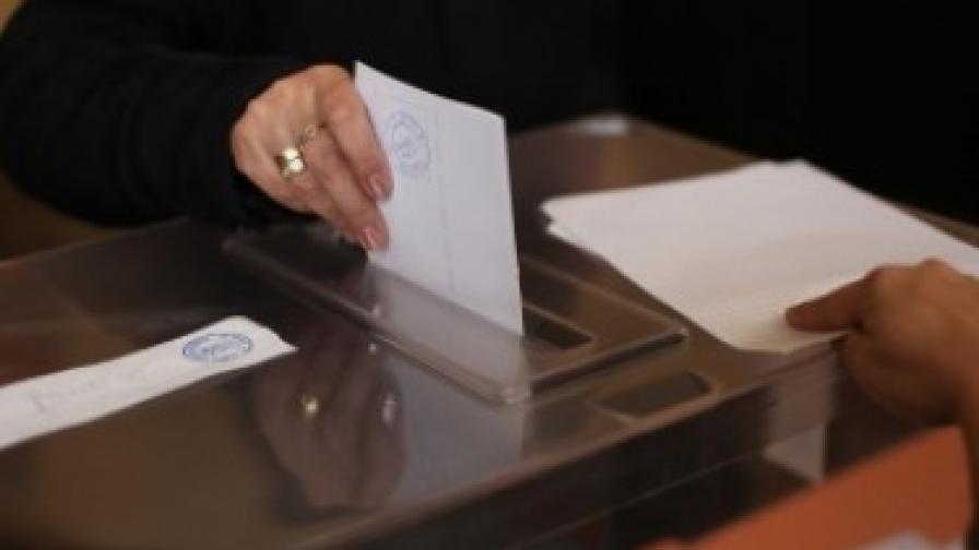 Гласоподавателите на референдума с над 800 хиляди повече от пълнолетните според преброяването