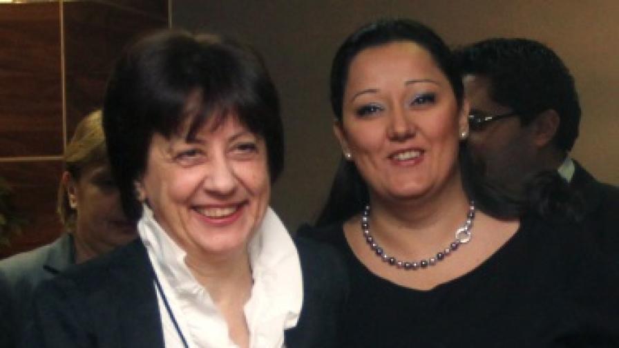 Шефката на НСИ Ренета Инджова и министър Лиляна Павлова за избирателните списъци
