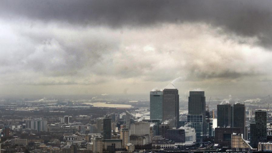 """""""Файненшъл таймс"""": Имигрантите идват във Великобритания, за да работят"""