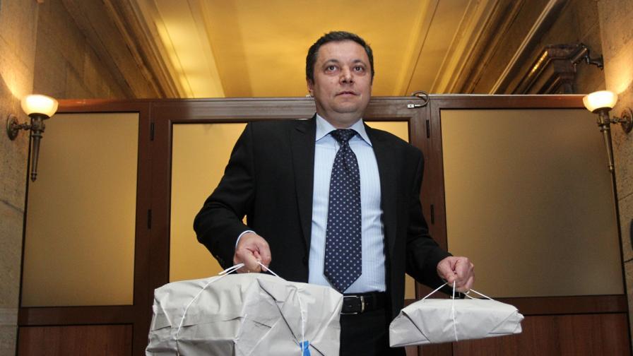 Яне Янев: Зад твърденията за агент Буда стои Р. Петков
