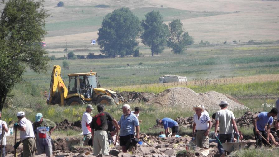 Щом копнат за път, излиза археология