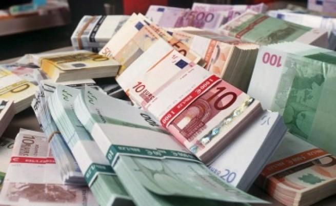 В Гърция готвят запор на заплати и пенсии на 2,5 млн. длъжници