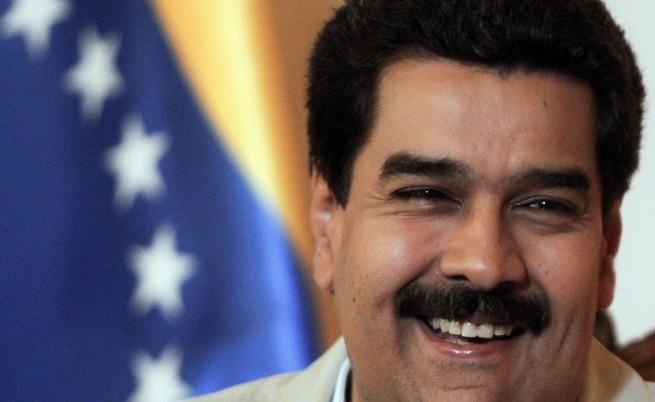 Уго Чавес бил подложен на алтернативно лечение на рак