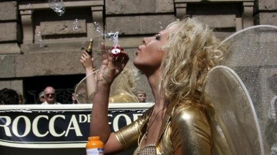 Блондинките по-лесно покоряват мъжете