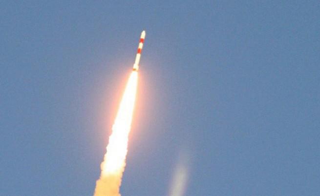 Индия изстреля шест чуждестранни спътника наведнъж
