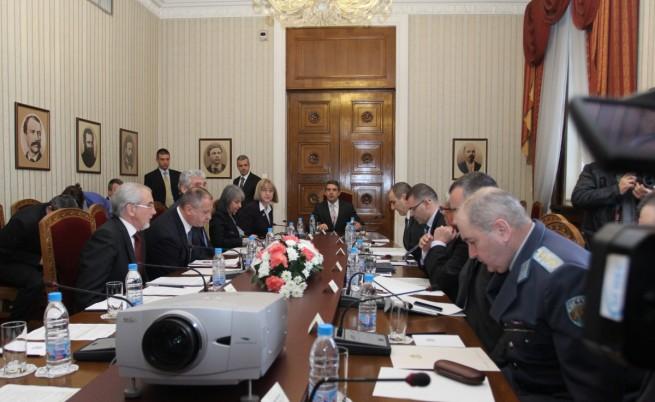 Плевнелиев: Правителството, макар и в оставка, носи пълна отговорност