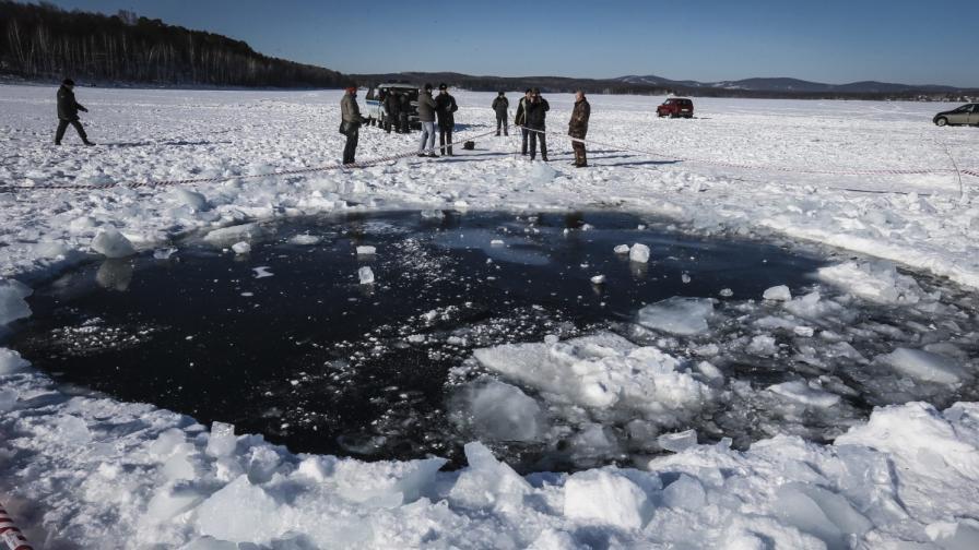 Издигат паметник на падналия до Челябинск метеорит