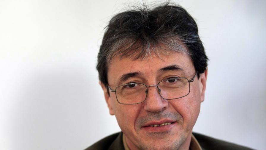 Политологът доц. Антоний Тодоров, преподавател в НБУ