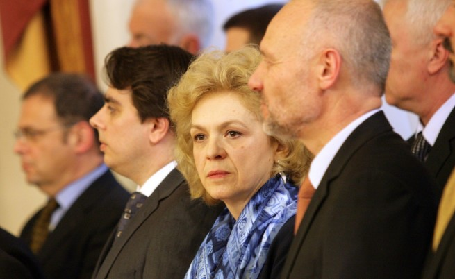 Как новите министри поеха властта