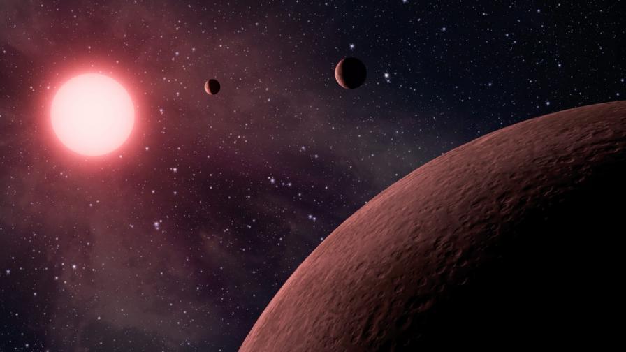 """Нови данни за """"горещите точки"""" на Юпитер"""