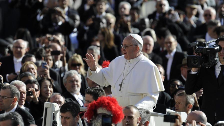 Интронизираха папа Франциск