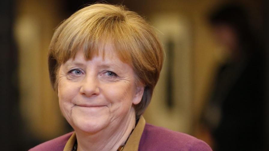Меркел: Длъжни сме да помогнем на Кипър
