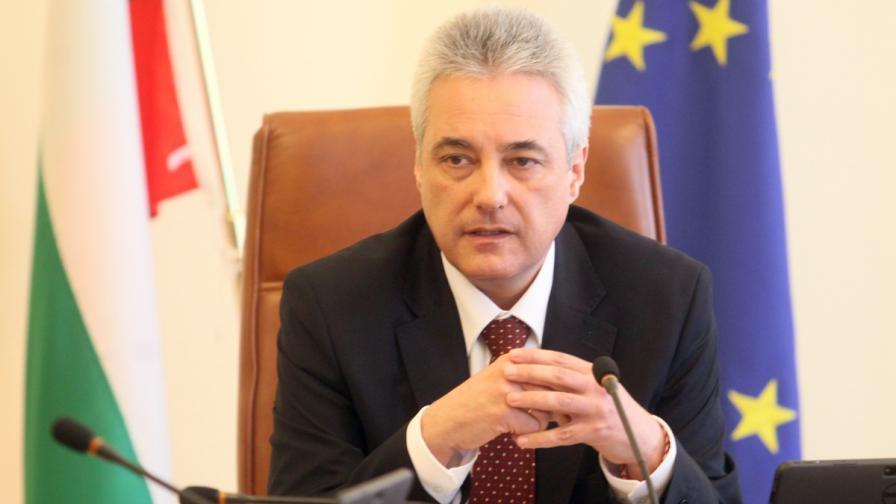 Марин Райков: Не извиваме ръцете на бизнеса