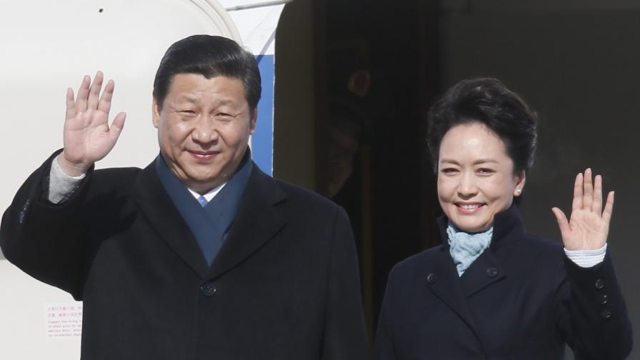 Клип за любовта между президент и първа дама стана хит в мрежата