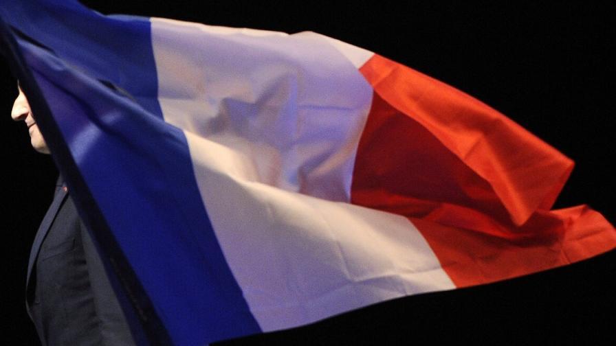 Франция замрази плановете си за доставка на оръжие на сирийски бунтовници