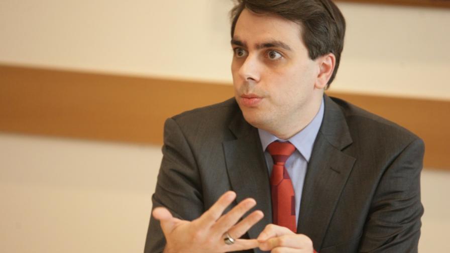 """Икономическият министър няма да промени такса """"пренос"""""""