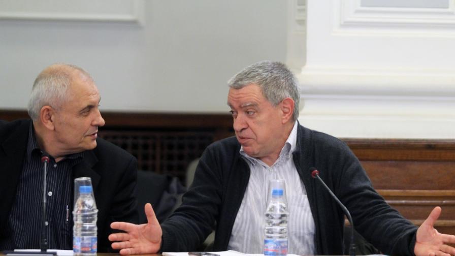 В Гранитната зала на МС, се проведе заседание за Изборния борд. На снимката: Димитър Димитров и Михаил Константинов